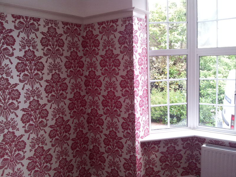 Patterened wallpapering